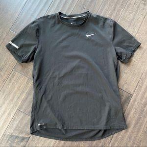 NIKE DRI-FIT Contour Breathable Short Sleeve Shirt